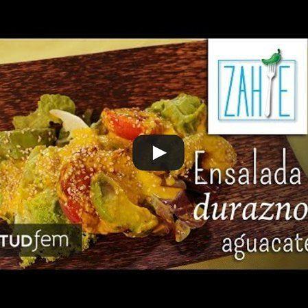 preparar una deliciosa ensalada de durazno y aguacate
