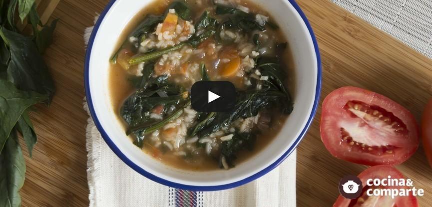 Sopa de espinacas con arroz