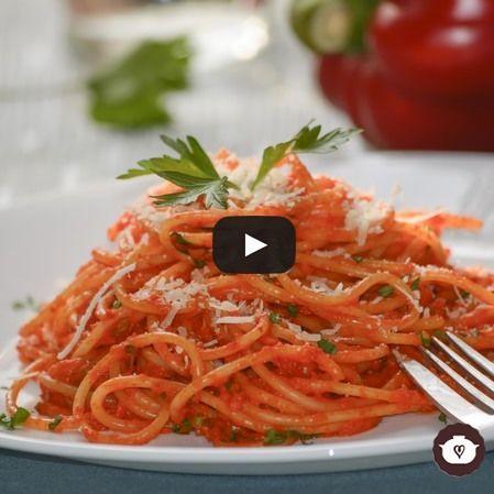 Spaghetti en crema de pimientos