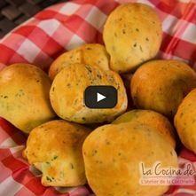 Panecillos de queso y hierbas