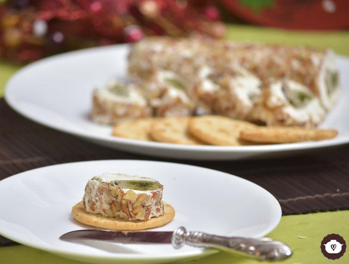 Rollo de queso crema relleno de ostiones