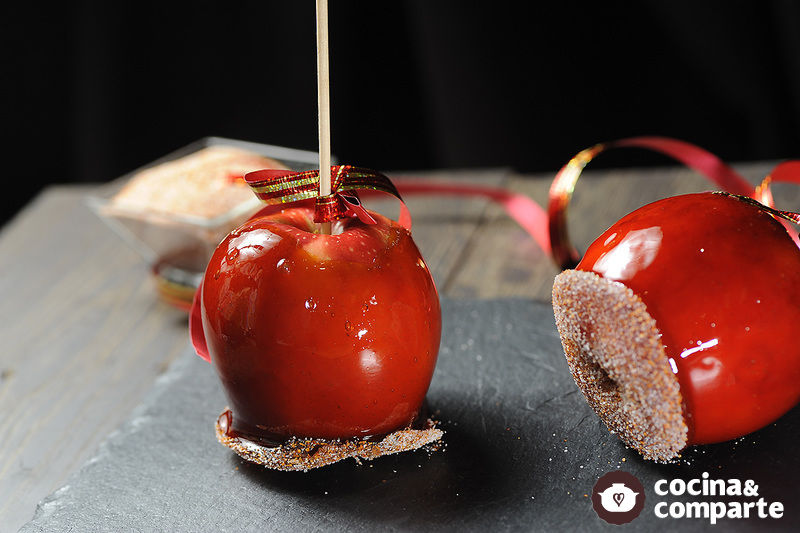 Manzanas acarameladas con chile