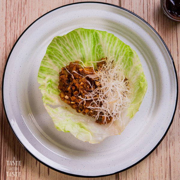 Tacos de lechuga chinos
