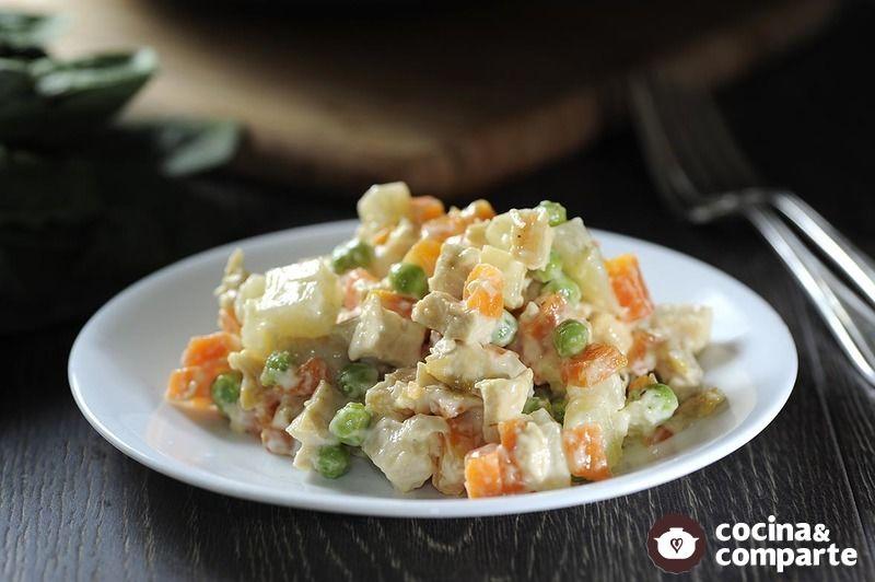 Ensalada fría de pollo con verduras