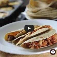 Tacos de carne de res con repollo