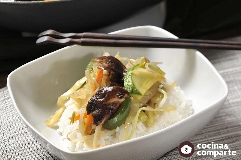 Chop suey de vegetales al ponzu