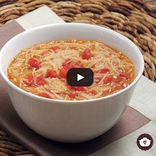 Sopa de frijol con fideo