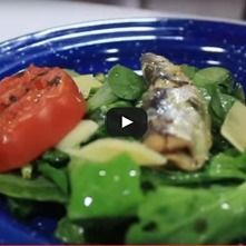 Ensalada de sardinas con verdolaga y arúgula