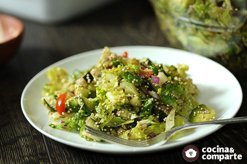 Ensalada de aguacate con quinoa