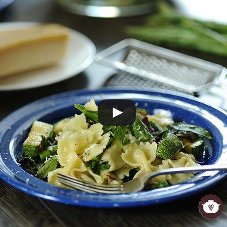 Pasta tibia con verduras
