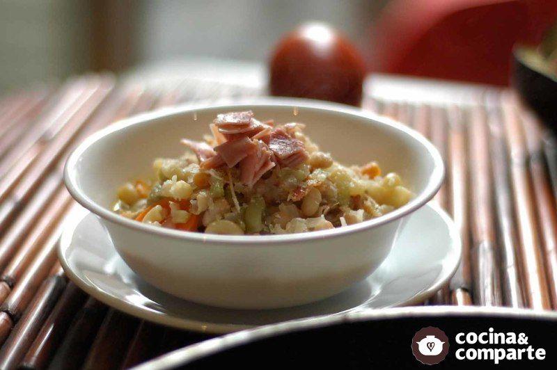Sopa de alubias con pasta