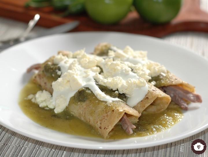 Enchiladas verdes de cecina