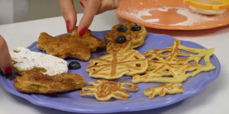 Hot cakes y pan francés para halloween