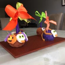 Manzanas de mazapan de almendra y chamoy para Halloween