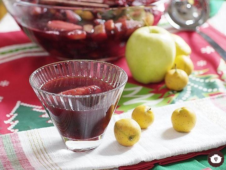 Ponche navideño de jamaica, tamarindo y manzana