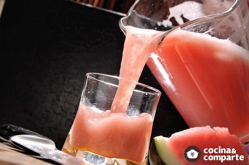 Agua de sandía con hierbabuena