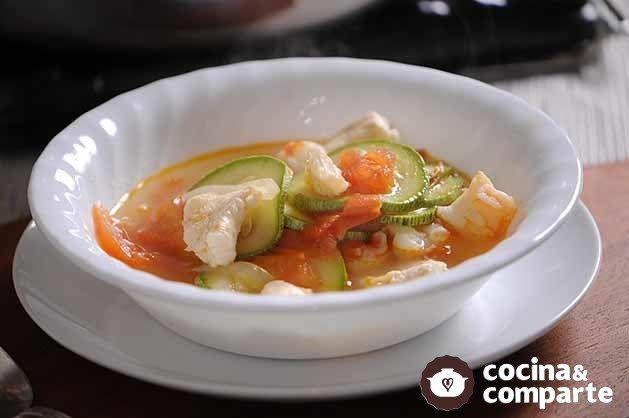 Sopa de pescado y camarón