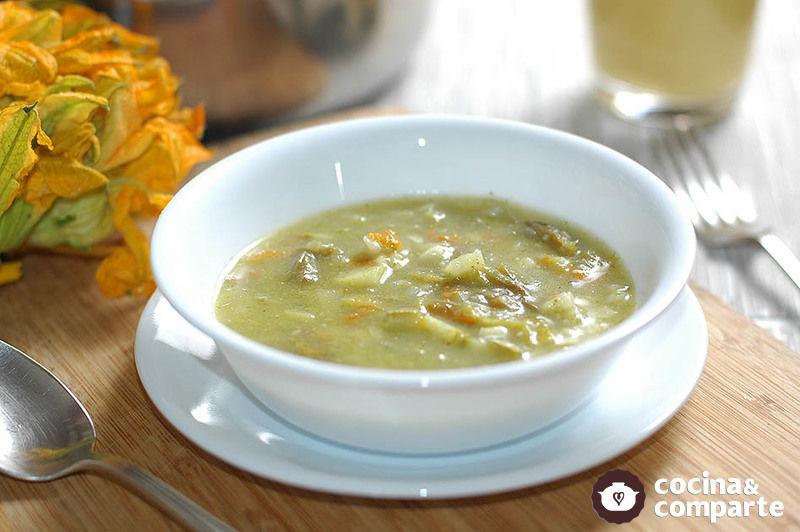 Sopa verde de flor de calabaza