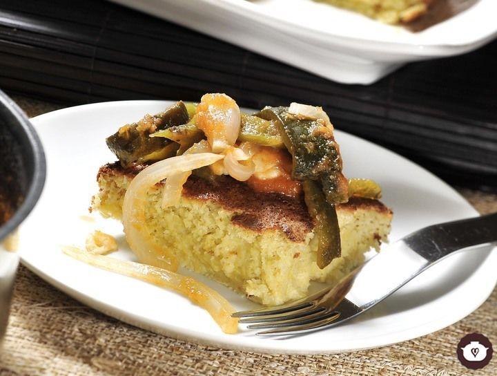 Torta salada de elote con rajas de chile poblano