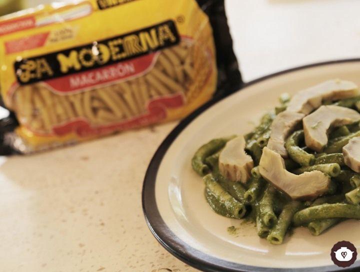 Macarrones con alcachofas y crema de acelga