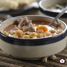 Sopa de col con garbanzos