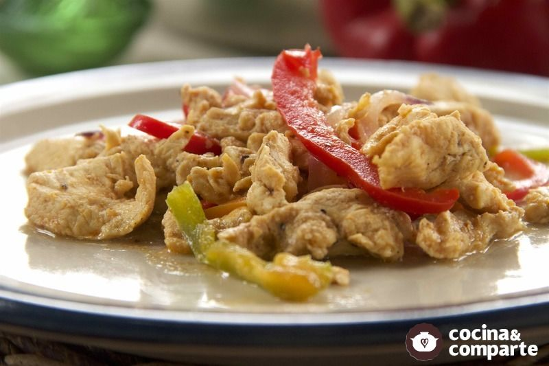 Pollo con pimientos a la paprika