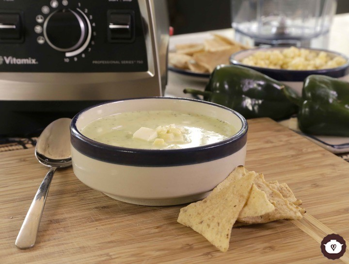 Crema de chile poblano con elote en Blender Vitamix