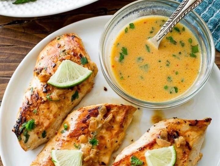 Receta pechugas de pollo con crema de cilantro y lim n cyc - Pechugas de pollo al limon ...