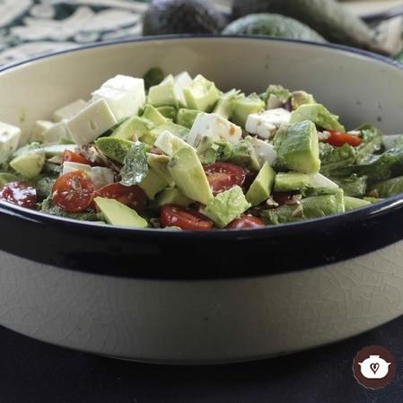 Ensalada con aderezo de cilantro