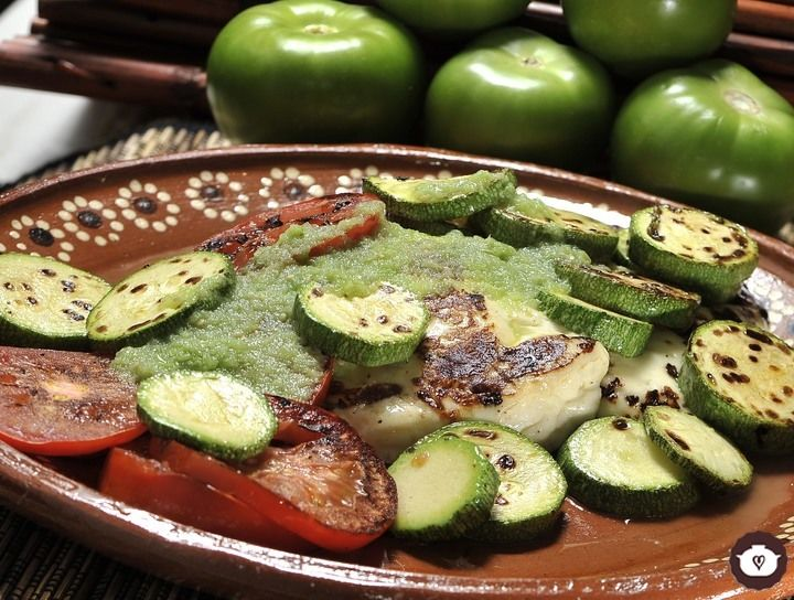 Queso asado con verduras
