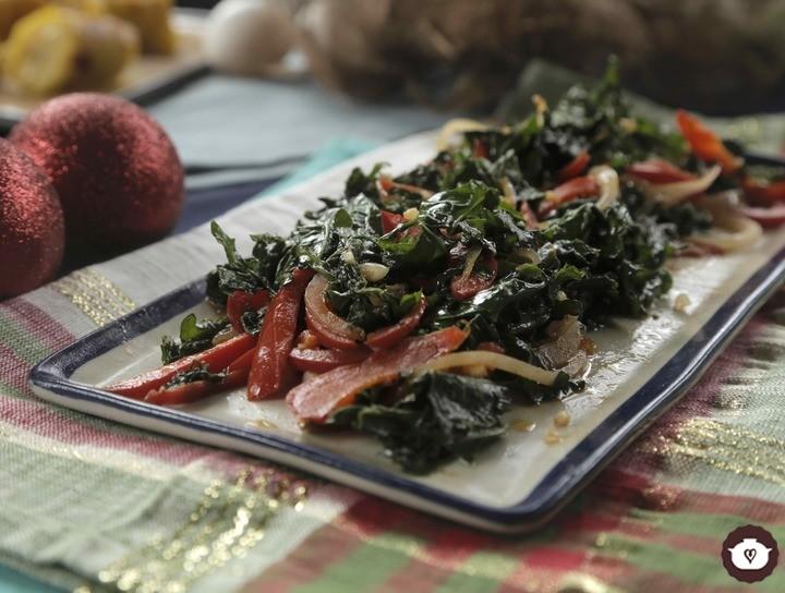 Ensalada caliente de kale con pimientos