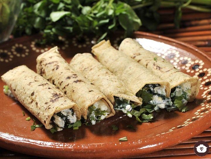 Tacos de espinacas con requesón