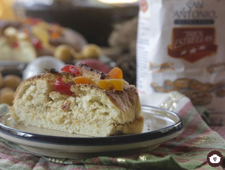 Rosca de Reyes rellena de mermelada de nísperos