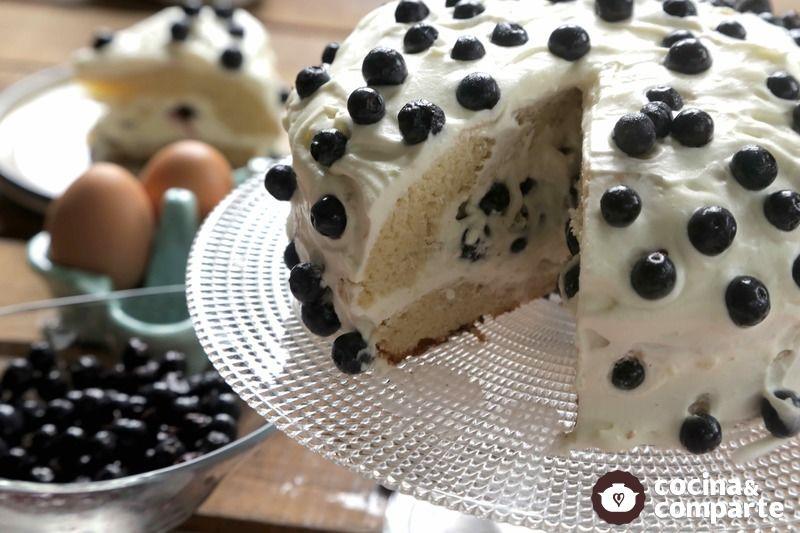 Pastel de blueberry y coco