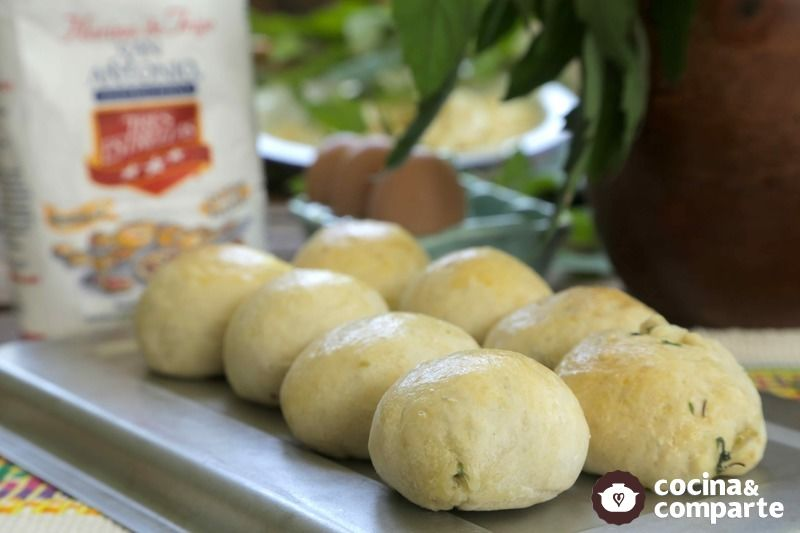 Pan relleno de quelites con calabacitas