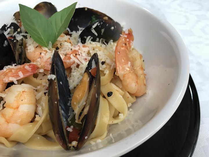 Receta Linguini con Camarones y Mejillones