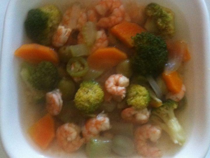 Sopa cantonesa de camarón