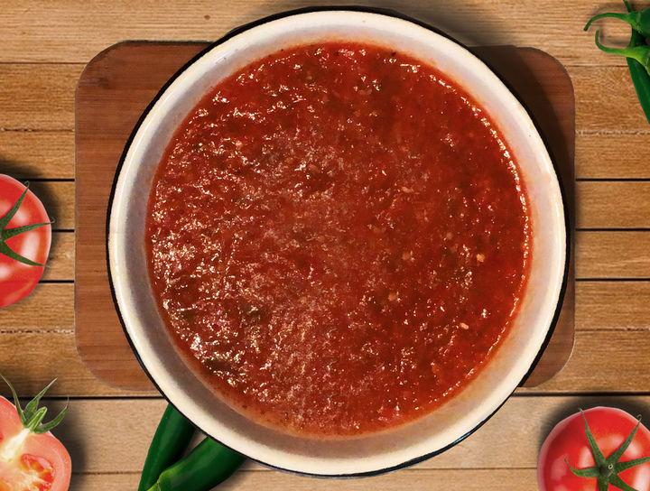 Salsa Roja de Chile Serrano