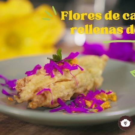 Flores de calabaza rellenas con arroz, manzana y menta