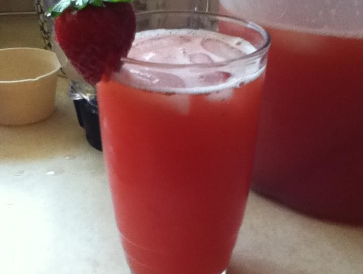 Limonada de Fresa (Strawberry Lemonade)
