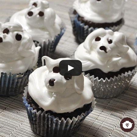 Cupcakes de chocolate con betún de merengue
