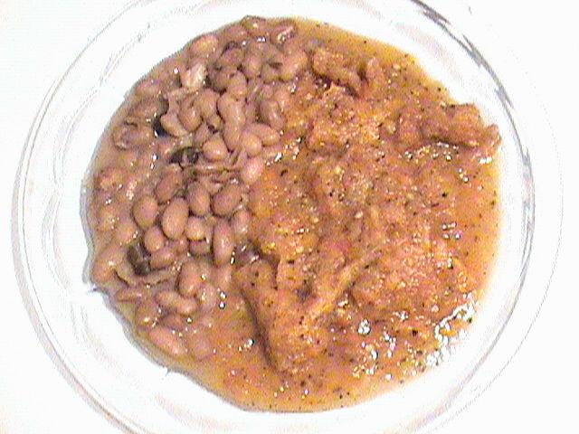 Chicharrón de cerdo con chile de jitomate