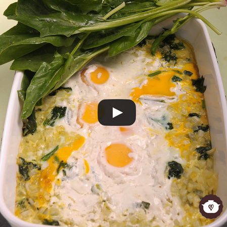 Huevos en nido de espinacas