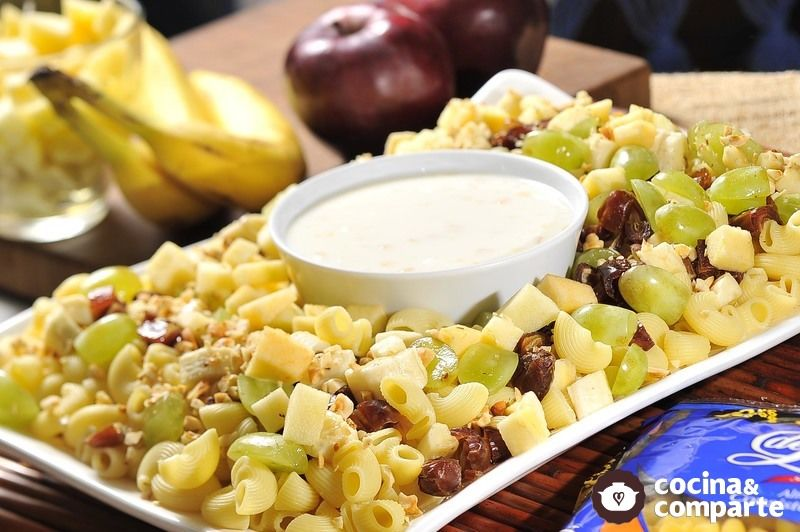 Ensalada de frutas con pasta