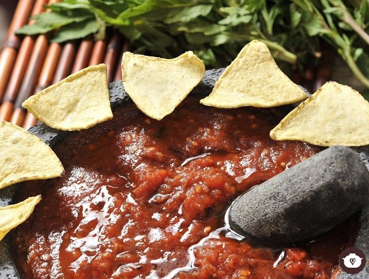 Salsa de jitomate con chile de árbol