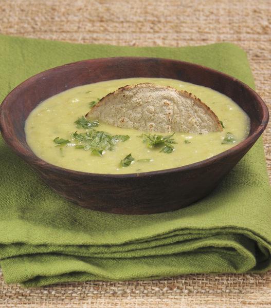 Servir como botana con totopos o tostadas. También como salsa picante para acompañar cualquier platillo.