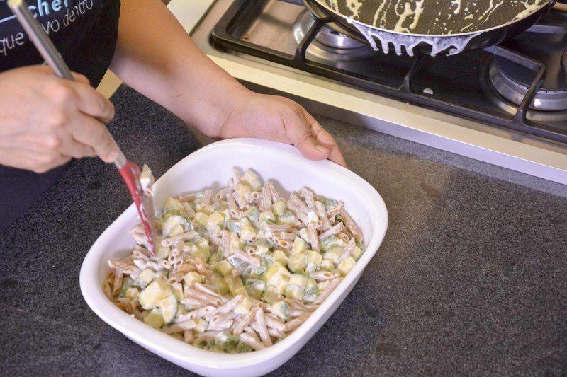 Añadir la mezcla de las calabacitas.