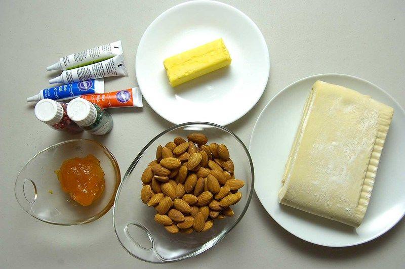 Ingredientes para receta 1 taza de almendra 2 cucharadas de mermelada de chabacano 60 gramos de mantequilla 300 gramos de masa de hojaldre