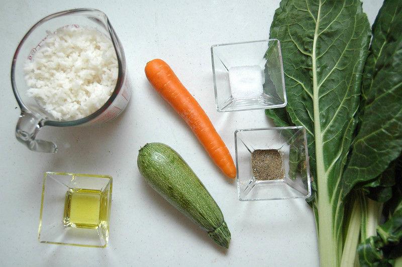 Ingredientes para receta 10 hojas de acelga 2 tazas de arroz cocido 1 pieza de calabacita italiana 1 pieza de zanahoria sal al gusto pimienta negra molida al gusto 1 cucharada de aceite de oliva