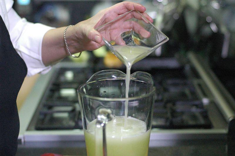 Agregar jugo de limón.